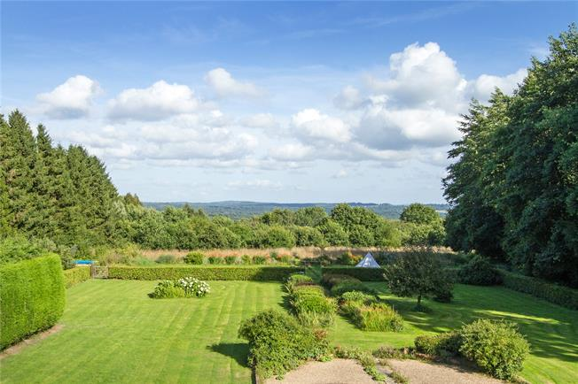 Guide Price £1,750,000, 6 Bedroom House For Sale in Liss, Hampshire, GU33