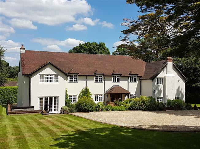 Guide Price £1,550,000, 6 Bedroom Detached House For Sale in Alton, GU34