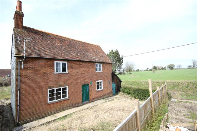 Guide Price £395,000, 4 Bedroom Detached House For Sale in Binsted, GU34