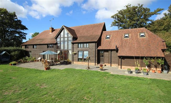 Guide Price £1,275,000, 4 Bedroom House For Sale in Bentworth, GU34