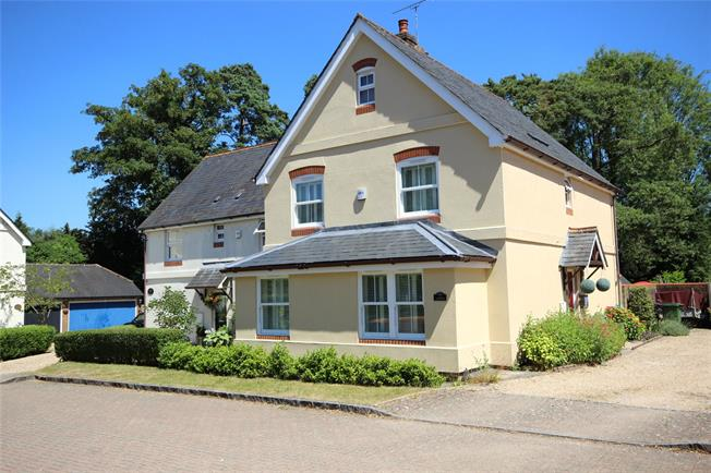 Guide Price £625,000, 3 Bedroom Detached House For Sale in Selborne, GU34