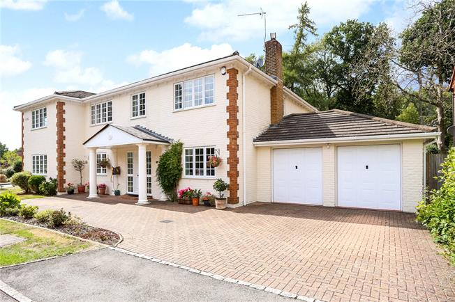 Guide Price £900,000, 6 Bedroom Detached House For Sale in Alton, Hampshire, GU34