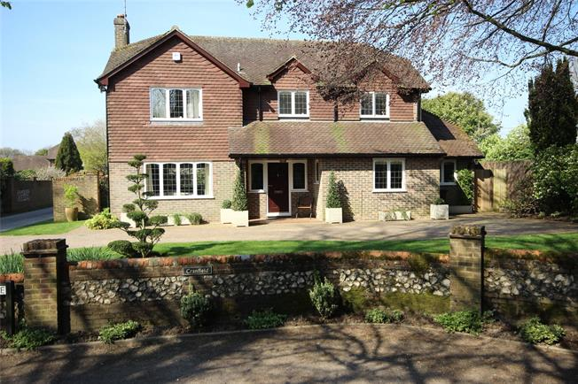 Guide Price £895,000, 4 Bedroom Detached House For Sale in Alton, Hampshire, GU34