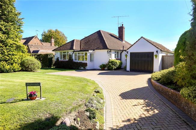 Guide Price £525,000, 2 Bedroom Bungalow For Sale in Alton, Hampshire, GU34