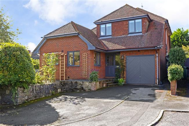 Guide Price £685,000, 4 Bedroom Detached House For Sale in Binsted, GU34