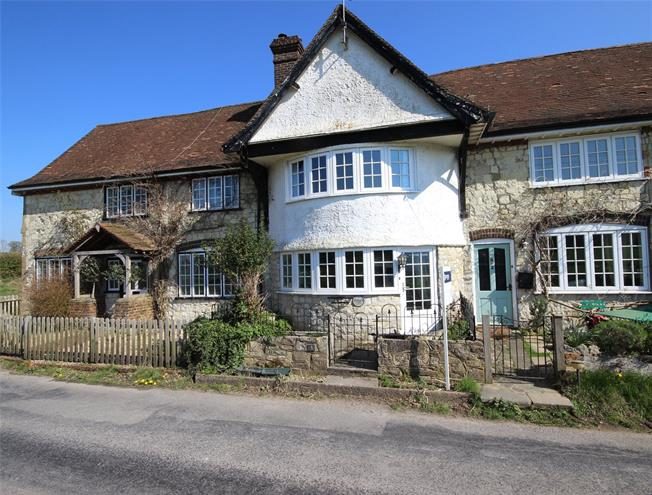 Guide Price £440,000, 3 Bedroom Terraced House For Sale in Liss, Hampshire, GU33