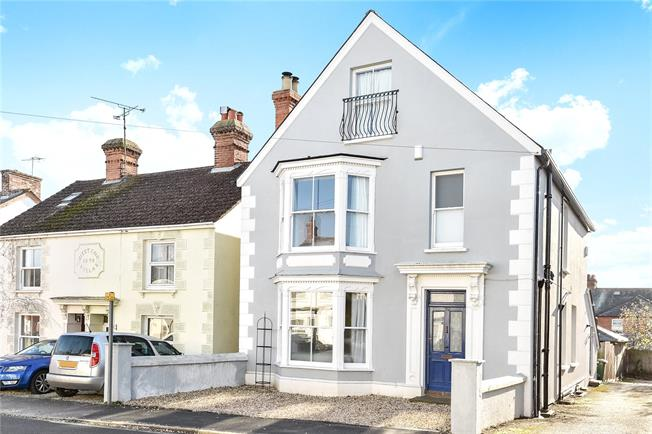 Guide Price £699,950, 5 Bedroom Detached House For Sale in Alton, GU34