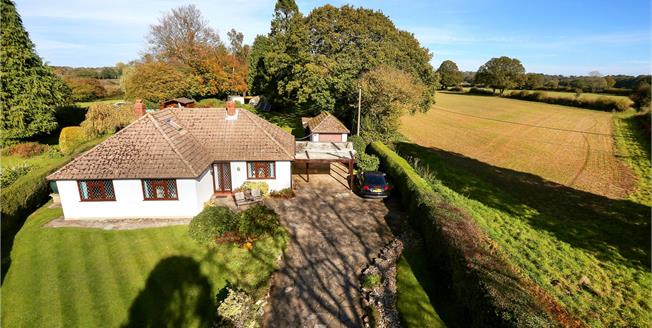 Guide Price £745,000, 3 Bedroom Bungalow For Sale in Ropley, SO24