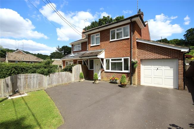 Guide Price £425,000, 3 Bedroom Semi Detached House For Sale in Ellisfield, RG25