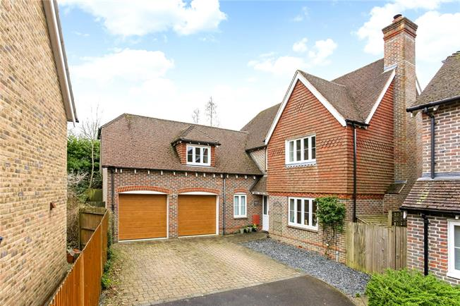 Guide Price £625,000, 5 Bedroom Detached House For Sale in Alton, Hampshire, GU34