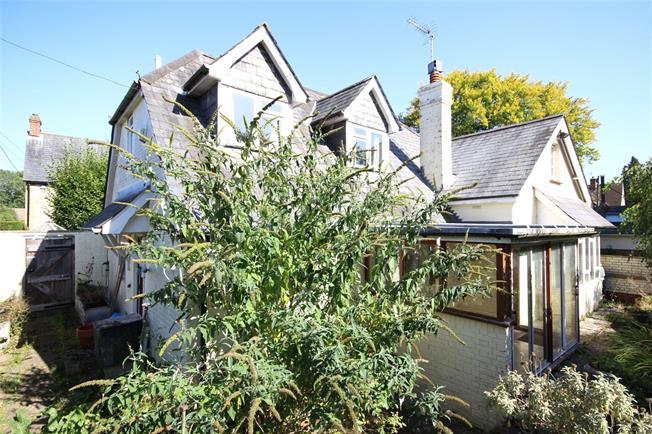 Guide Price £595,000, 3 Bedroom Detached House For Sale in Selborne, GU34