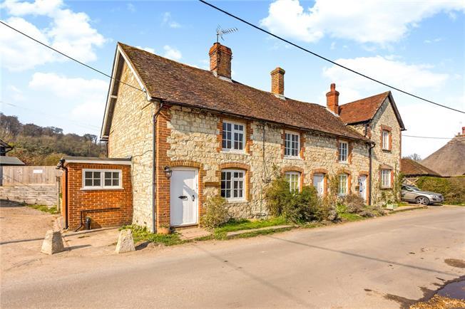 Guide Price £375,000, 2 Bedroom Terraced House For Sale in Selborne, GU34