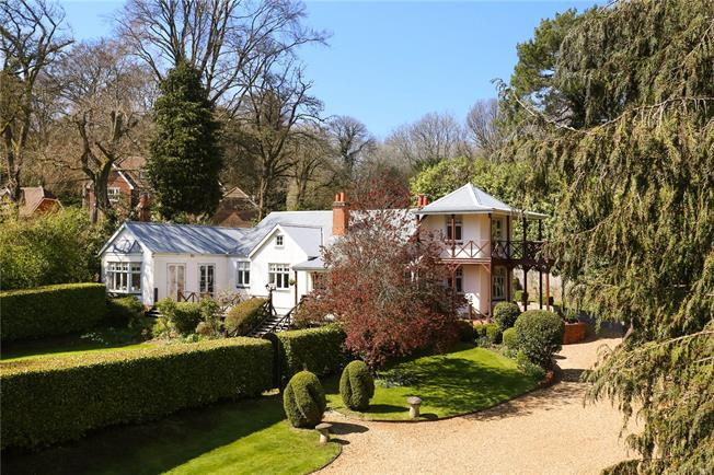 Guide Price £1,375,000, 6 Bedroom Detached House For Sale in Beech, GU34