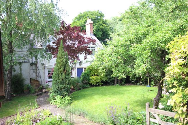 Guide Price £625,000, 3 Bedroom Semi Detached House For Sale in Alton, Hampshire, GU34