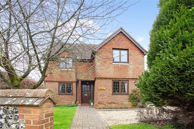 Guide Price £650,000, 4 Bedroom Detached House For Sale in Alton, Hampshire, GU34