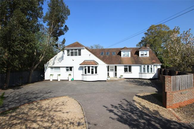 Guide Price £695,000, 6 Bedroom Detached House For Sale in Alton, Hampshire, GU34