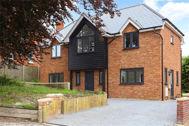 Offers in excess of £499,995, 3 Bedroom Detached House For Sale in Hampshire, GU34