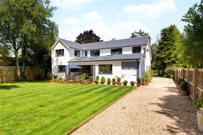 Guide Price £1,100,000, 5 Bedroom Detached House For Sale in Alton, Hampshire, GU34