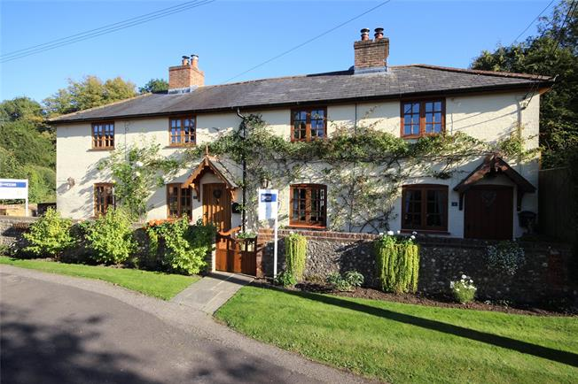 Guide Price £1,220,000, 8 Bedroom Detached House For Sale in Bentworth, GU34