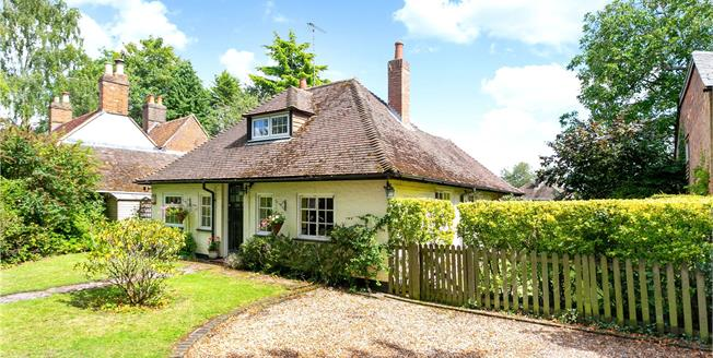 Offers in excess of £450,000, 3 Bedroom Detached House For Sale in Hampshire, GU34