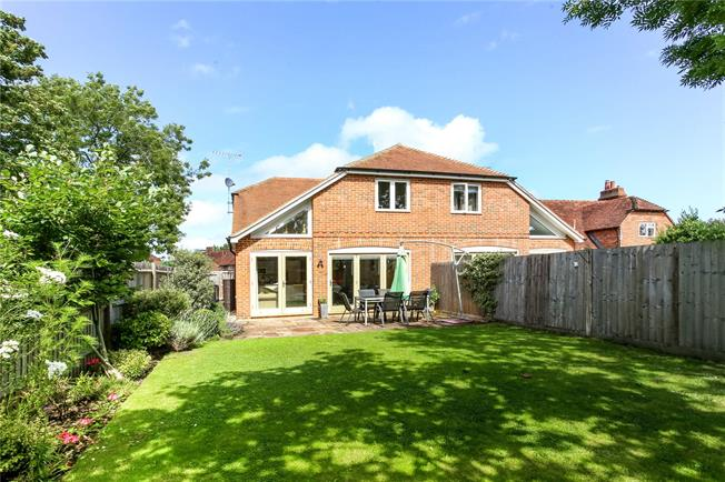 Guide Price £475,000, 3 Bedroom Semi Detached House For Sale in North Warnborough, RG29