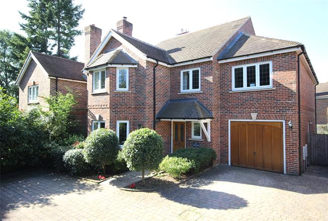 Guide Price £750,000, 5 Bedroom Detached House For Sale in Hampshire, GU34