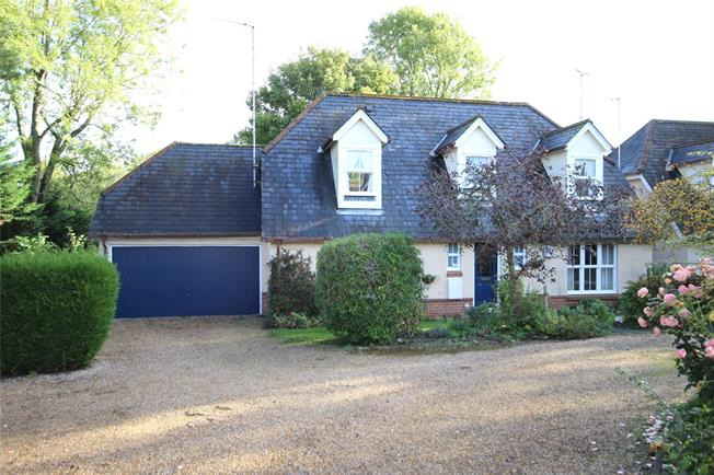 Guide Price £575,000, 4 Bedroom Detached House For Sale in Alton, Hampshire, GU34