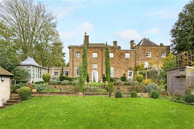 Guide Price £750,000, 2 Bedroom Semi Detached House For Sale in Adderbury, OX17