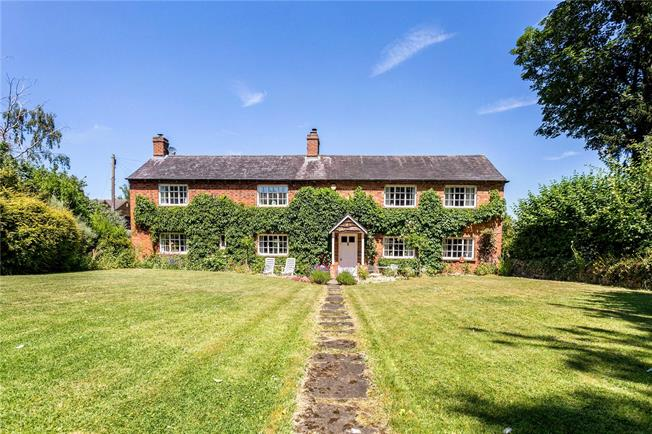 Guide Price £850,000, 4 Bedroom Detached House For Sale in Warmington, OX17