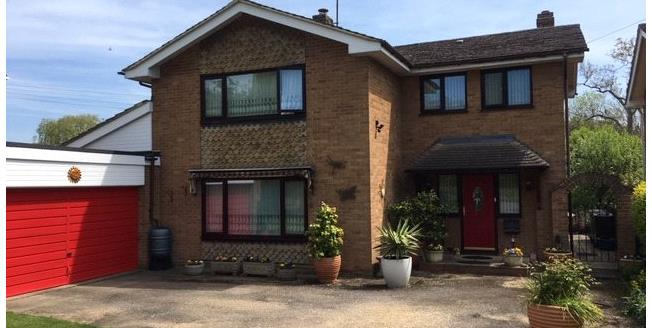 Offers in excess of £550,000, 5 Bedroom Detached House For Sale in Banbury, Oxfordshire, OX17