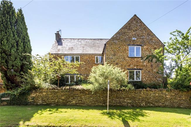 Guide Price £595,000, 4 Bedroom Detached House For Sale in Sibford Ferris, OX15
