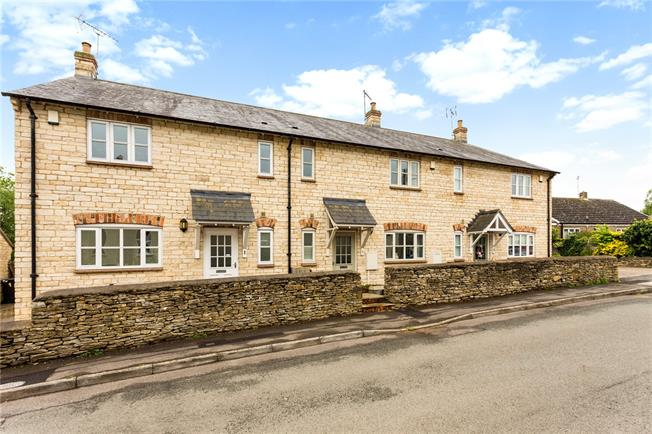 Guide Price £365,000, 3 Bedroom Terraced House For Sale in Evenley, NN13