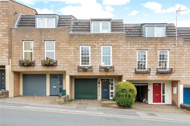 Guide Price £395,000, 3 Bedroom Terraced House For Sale in Bath, BA1