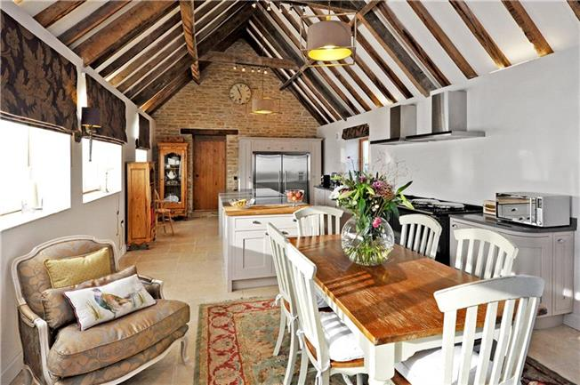 Guide Price £1,000,000, 3 Bedroom Detached House For Sale in Wellow, BA2