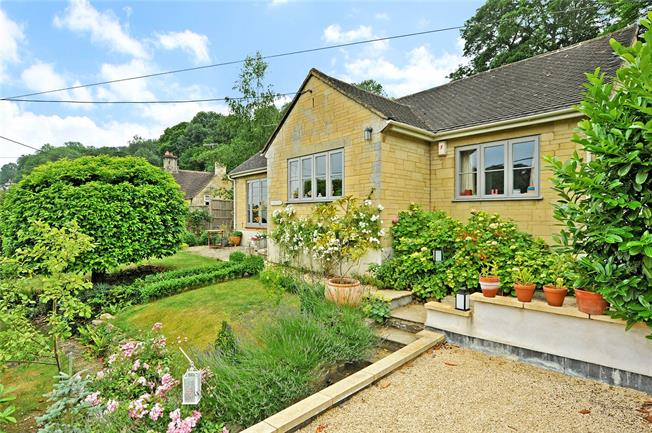 Guide Price £700,000, 3 Bedroom Detached House For Sale in Limpley Stoke, BA2