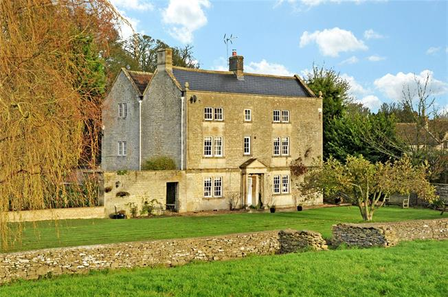 Guide Price £1,300,000, 6 Bedroom Detached House For Sale in Tormarton, GL9