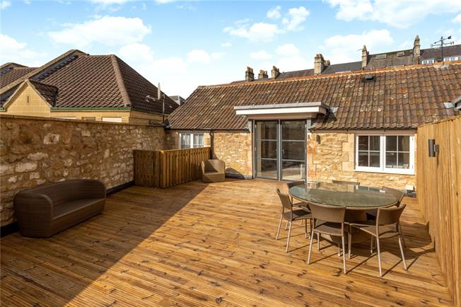 Guide Price £795,000, 3 Bedroom Mews House For Sale in Bath, BA1