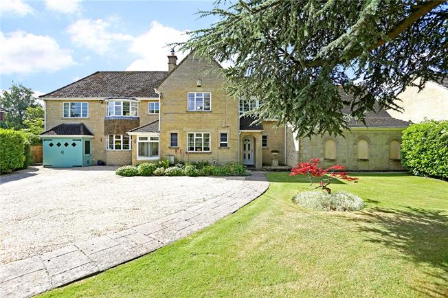 Guide Price £895,000, 6 Bedroom Detached House For Sale in Lacock, SN15