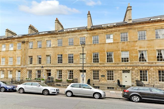 Guide Price £1,400,000, 3 Bedroom Flat For Sale in Bath, BA2