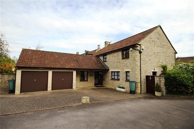 Guide Price £800,000, 4 Bedroom Detached House For Sale in Saltford, BS31