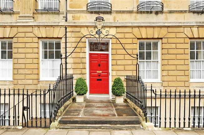 Guide Price £295,000, 1 Bedroom Flat For Sale in Bath, BA2