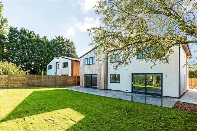 Guide Price £795,000, 5 Bedroom Detached House For Sale in Shaw, SN12
