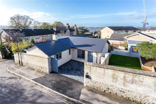 Guide Price £875,000, 3 Bedroom Bungalow For Sale in Bath, BA1
