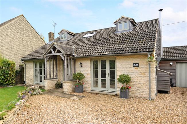 Guide Price £650,000, 3 Bedroom Detached House For Sale in Nettleton, SN14