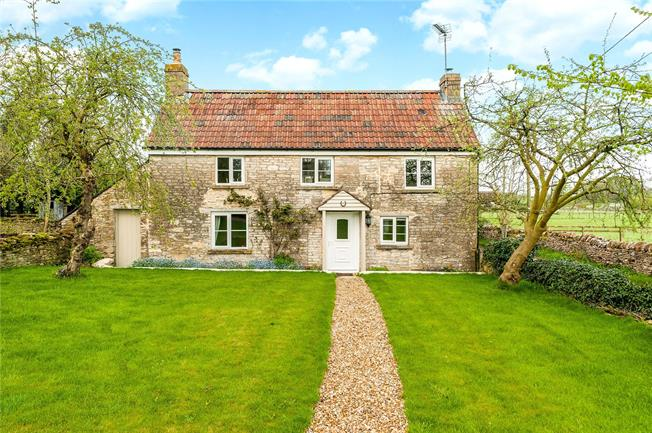 Guide Price £525,000, 3 Bedroom Detached House For Sale in Wiltshire, SN14