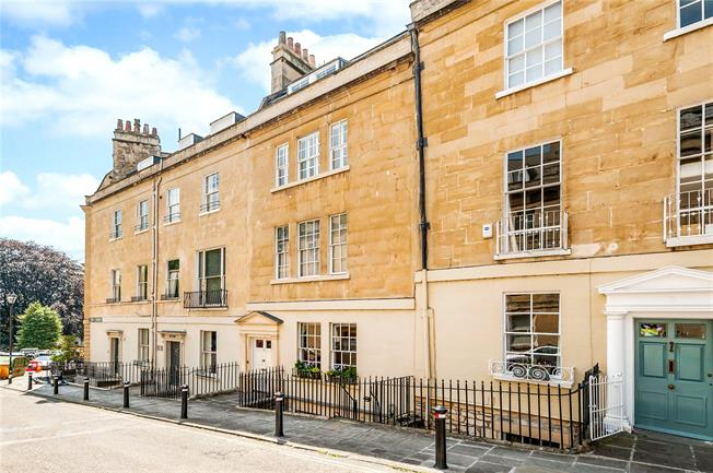 Guide Price £1,400,000, 5 Bedroom Terraced House For Sale in Bath, BA1