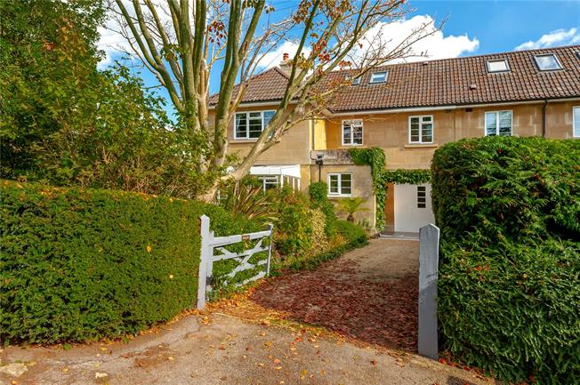 Guide Price £950,000, 5 Bedroom Semi Detached House For Sale in Bath, BA1