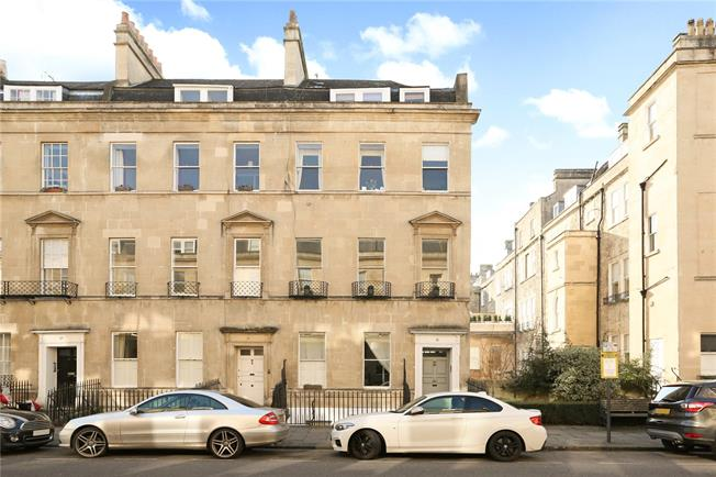 Guide Price £950,000, 3 Bedroom Flat For Sale in Bathwick, BA2