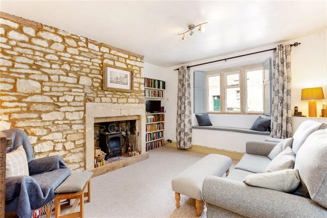 Guide Price £375,000, 2 Bedroom Terraced House For Sale in Marshfield, SN14