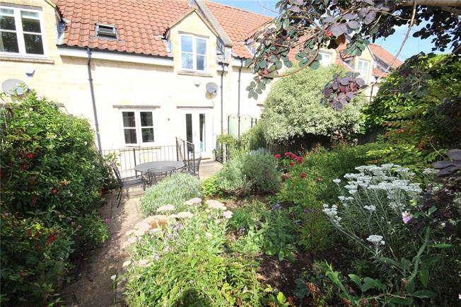 Guide Price £525,000, 3 Bedroom Terraced House For Sale in Bath, BA2